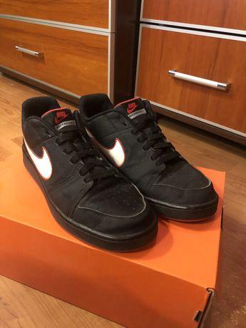 Nike Background 40,5