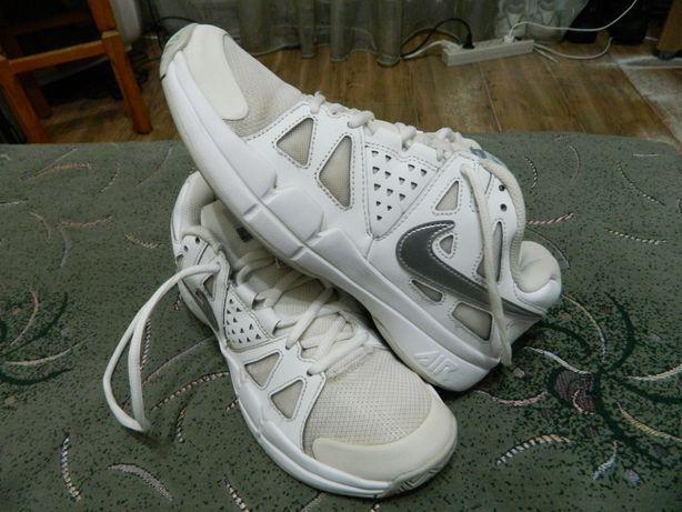 Кроссовки теннисные Nike оригинал по факту размер 38 стелька-24,5