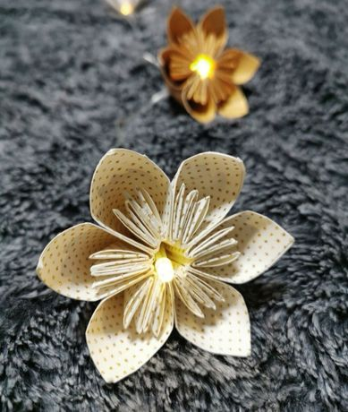 Grinalda flores iluminação