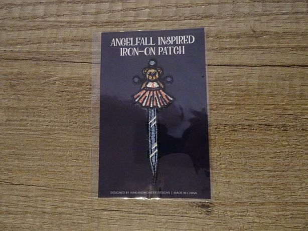 naszywka iron-on patch fairyloot angelfall