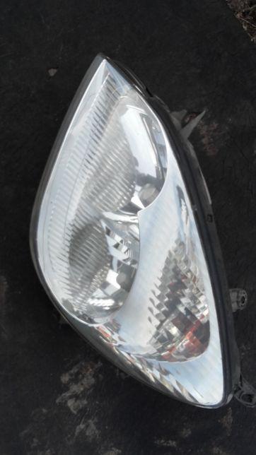 Citroen C5 lampa przód lewa