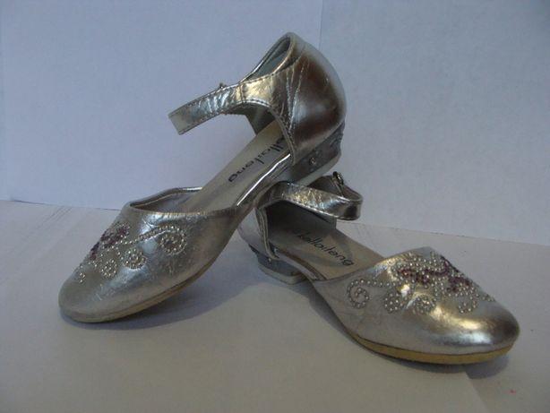 Туфли серебристые на каблуке для девочки р. 24