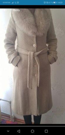 Натуральное зимнее шерстяное пальто женское