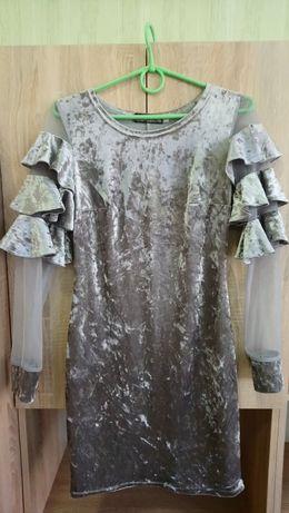 Стильна сукня. 42 розмір