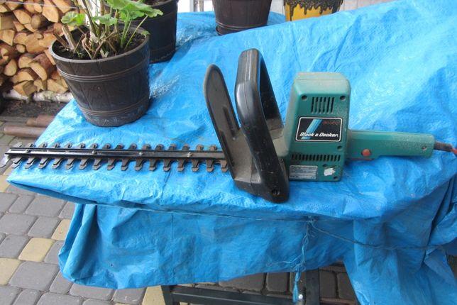 Nożyce elektryczne do żywopłotu Black Decker