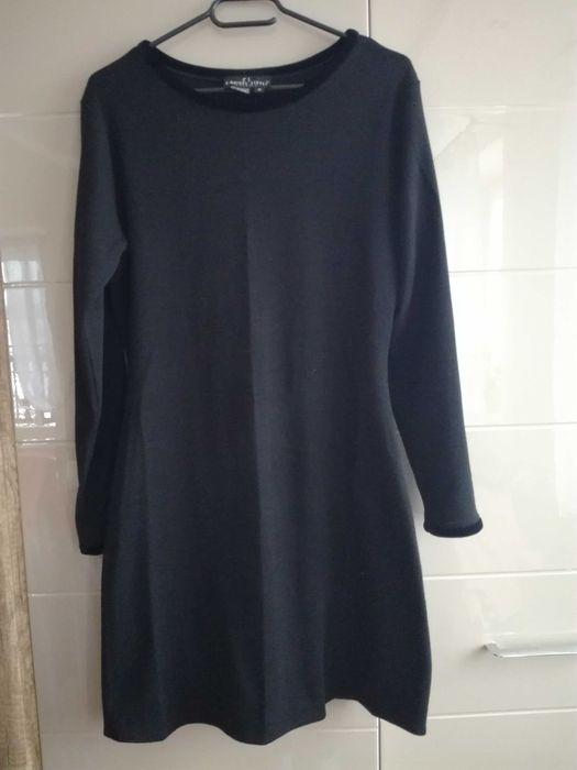 Czarna sukienka dzianinowa rozmiar M Strzegom - image 1