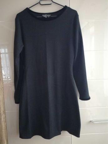Czarna sukienka dzianinowa rozmiar M