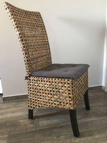 Cadeiras de palha