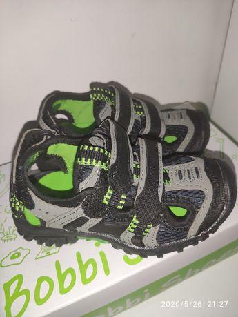 Sandałki dla chłopca r. 25