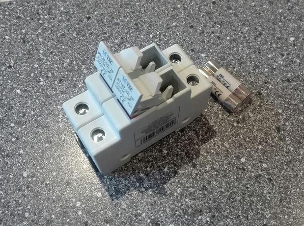 Rozłącznik oprawa pod bezpiecznik 12A solarne zabezpieczenie panele