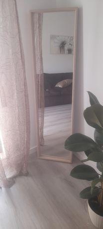 Espelho IKEA 40 por 150 cm.