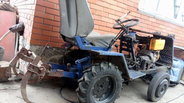 трактор дизель 9 лс. торг на доставку под ваш дом