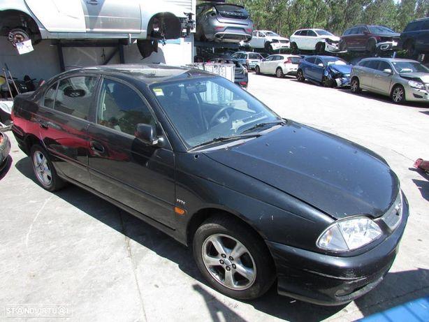 Toyota Avensis 1.6i 2002 - Peças Usadas