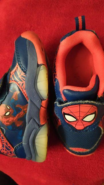 Кроссовки для мальчика с огоньками Spiderman ориг. р.24 ст.12.5 см.