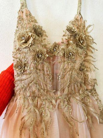 Платье свадевное, вечернее, на выпусконой