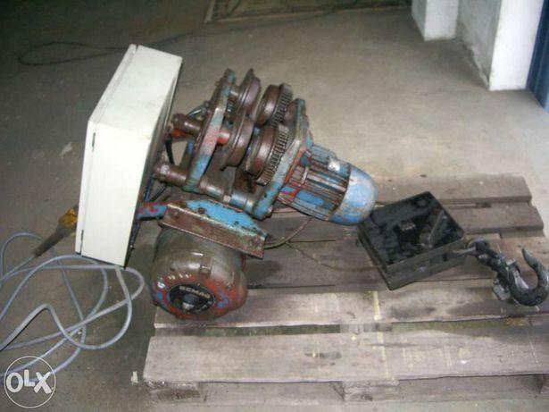 Guincho DEMAG 1750 Kg com quadro elétrico