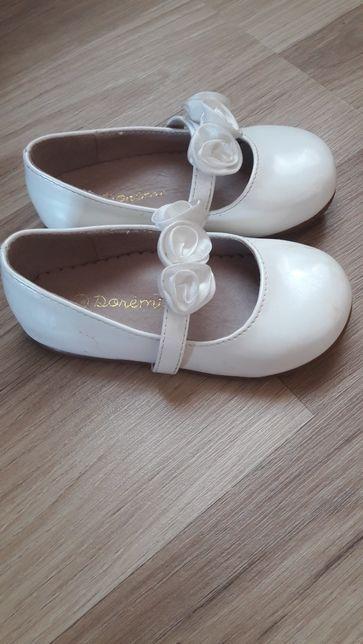 Туфлі, мешти для дівчинки