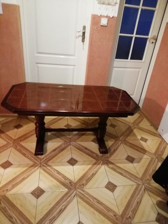 Łatwo - Stół