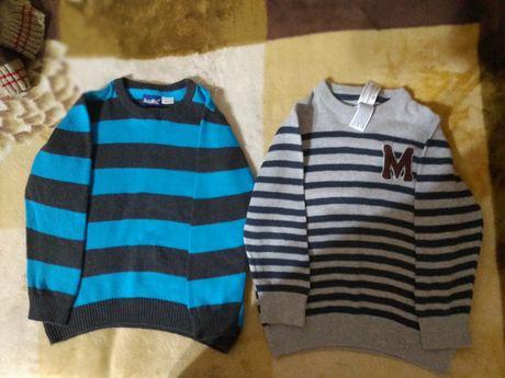 Фирменные свитера на мальчика в новом состоянии