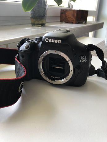 Aparat lustrzanka Canon EOS 600D idealny + obiektyw 18-55