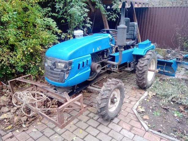 Продам міні трактор булат 185