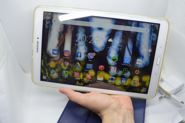"Планшет Samsung Galaxy Tab E SM-T561 9.6"" 3G + 2 чехла, зарядка"