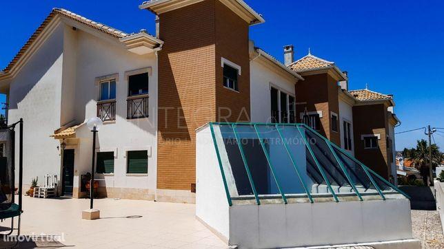 Apartamento T2 Duplex  Viabilidade até T6  Condomínio fechado Caparide