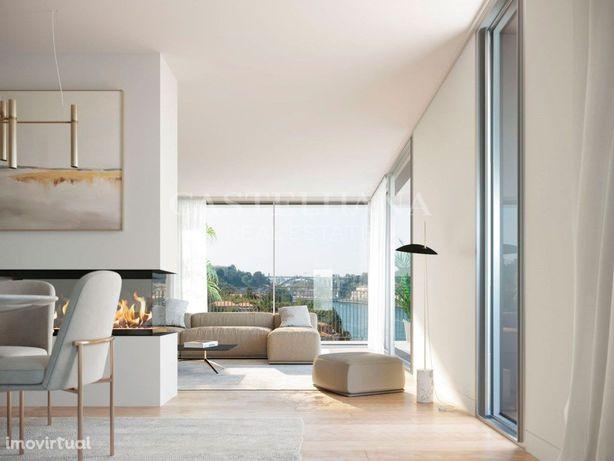 Apartamento T2 duplex com vista rio em Vila Nova de Gaia