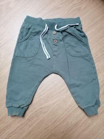 Spodnie spodenki newbie 68
