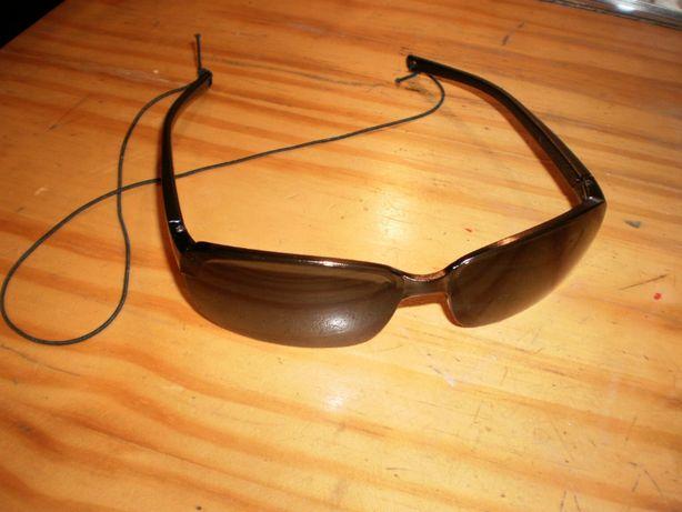 Óculos de sol, pretos, outdoor/desporto, novos.