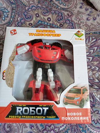 Іграшка робот переробляється в машинку