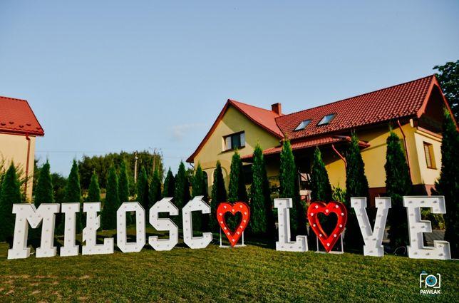 Napis Love & Miłość