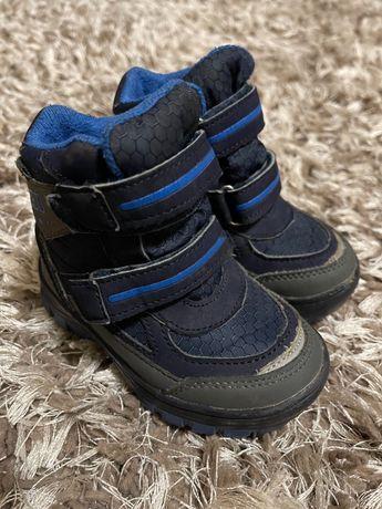 Зимові черевики дитячі