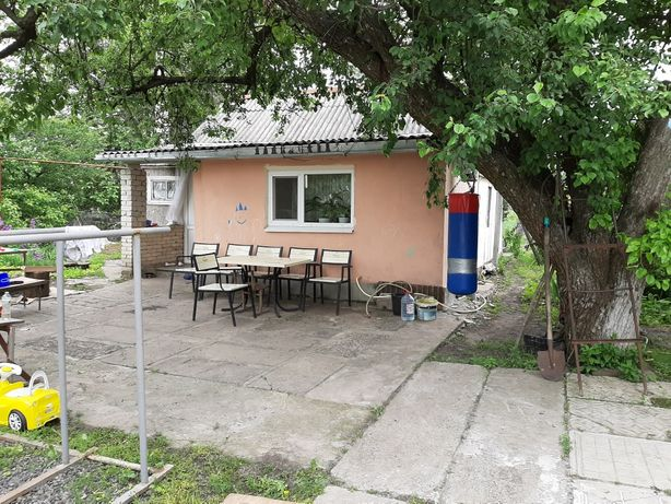 Срочно продам дом в центре смт.Близнюки