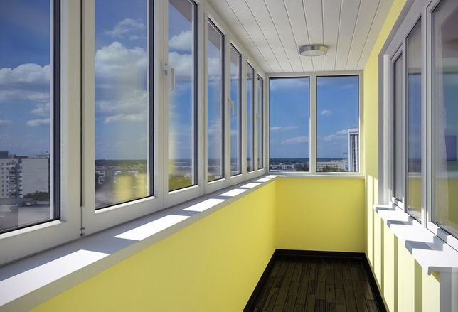 Балконная рама металлопластиковая.окна двери