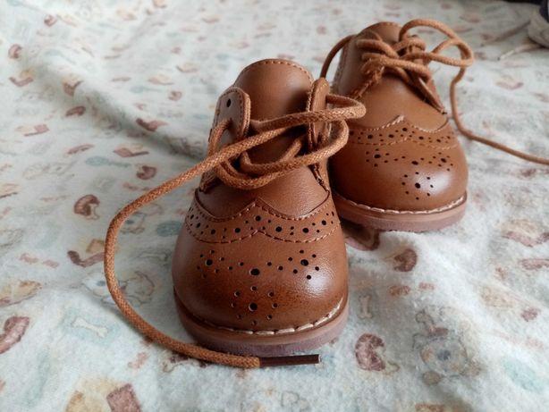 Продам дитяче взуття від 0-2 років Недорого ціна 50-100. Можливий торг