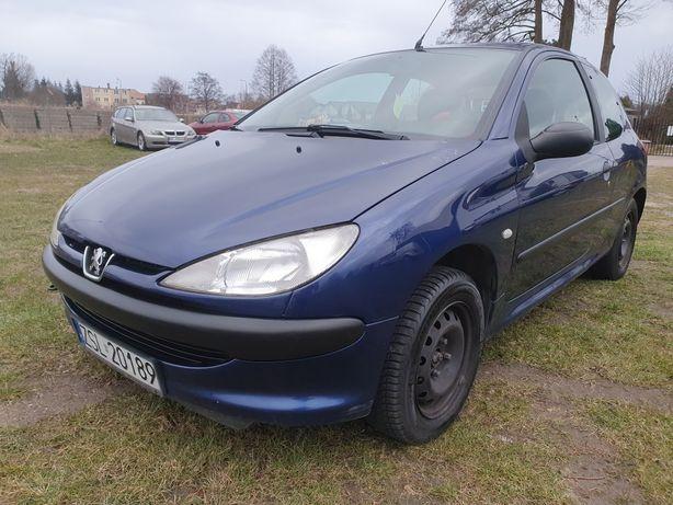 Peugeot 206 rok 2002 1.1 benzyna długie OC i Pt bez rdzy
