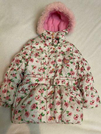 Зимняя куртка на девочку  3--4 года
