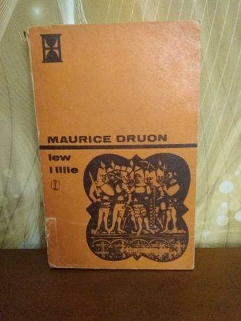 Maurice Druon, Lew i Lilie