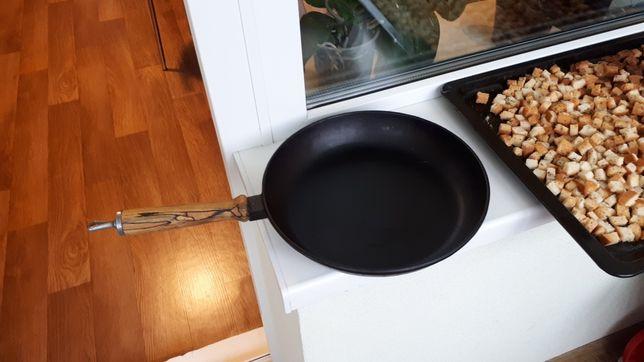 Сковорода чугунная d26
