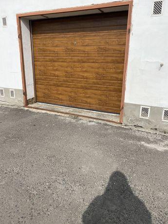 Продам гараж в центрі міста