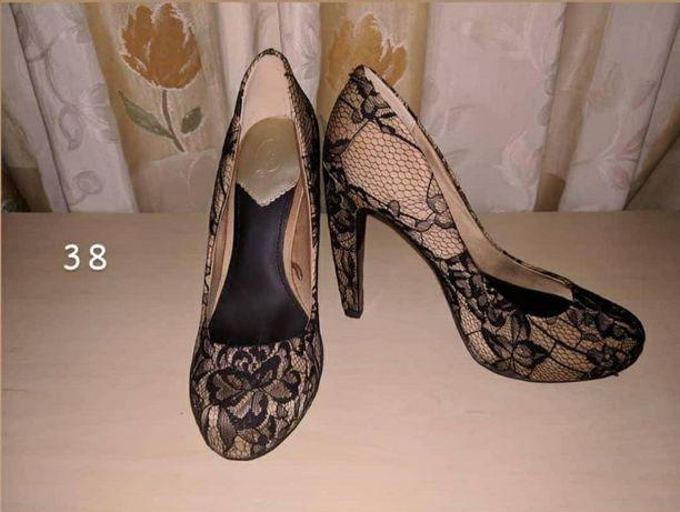 Sapatos 38 Stradivarius