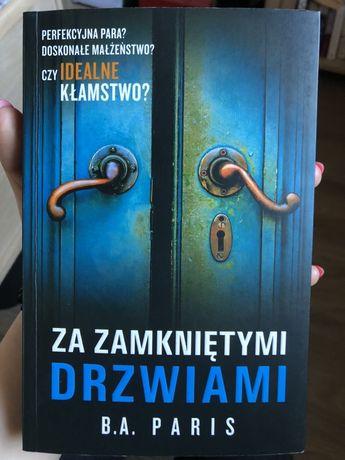Książka Za zamkniętymi Drzwiami stan idealny