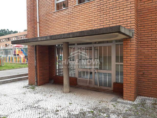 Loja para venda em Arrifana, Santa Maria da Feira - SMF/01976