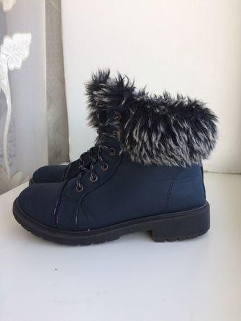 Ботинки на девочку Зима 33 р