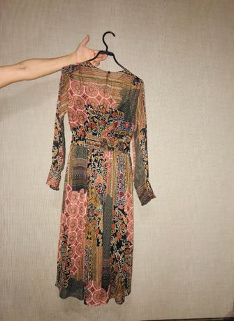 Платье Zara 42р.