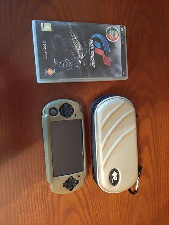 PSP (2004) com carregador ,pelicula de silicone, capa e GT
