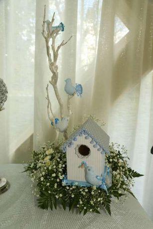 Ninhos e pássaros para decoração