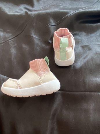 Продам кроссовки H&M 19 размер