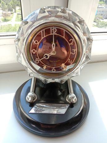 Часы настольные Маяк (СССР)